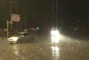 Overnight rain, hailstorm lash Delhi; temperature dips