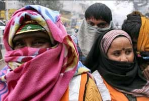 Delhi shivers at 2.7 degrees Celsius, records coldest morning this season