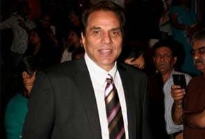 Bollywood actor Dharmendra escapes unhurt after freak mishap