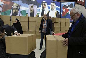 Jordanians go to polls to elect new parliament