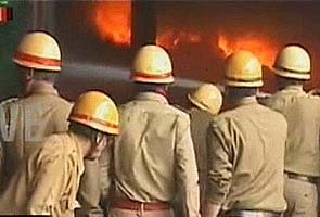 Fire at a cloth godown in Kolkata