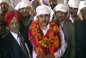 Congressman accused of murder sworn in as Himachal MLA