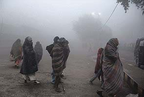 Cold wave unabated in North India, 24 more die