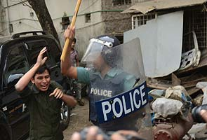 Deadly Bangladesh clashes over 'atheist bloggers'