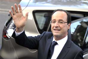 President Francois Hollande visits Mali as French troops eye last bastion