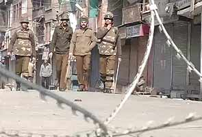 Afzal Guru hanging: Kashmir Valley remains under curfew for second day