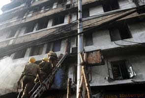 17 killed in Kolkata market fire, Mamata Banerjee visits site
