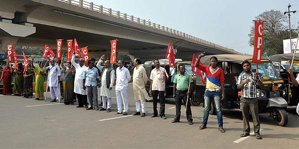 Tension over land acquisition at Posco site, protesters clash with police