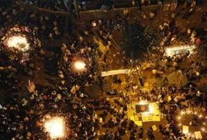 Bangladeshi war crimes protesters turn anger towards feuding politicians
