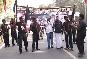 Karunanidhi leads DMK's 'black' protest against Sri Lankan President's visit to India