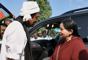 Jayalalithaa's friendly run-in with rival Vaiko