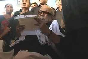 Karunanidhi slams Lankan President Rajapaksa for refusing autonomy to ethnic Tamils