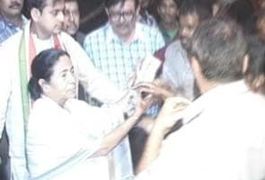 Caught on camera abusing guard but Mamata Banerjee does not apologise