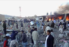 Bomb rips through market near Quetta in Pakistan, police say 79 killed