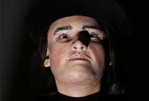 Face of Richard III, England's 'king in the car park', revealed