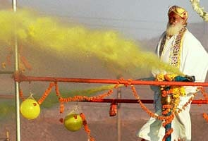 As Maharashtra battles drought, Asaram Bapu wastes water, abuses media