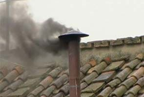 Black smoke signals inconclusive papal vote