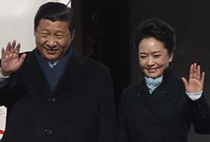 China's glamorous new first lady an instant internet hit