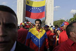 As Venezuelans mourn Hugo Chavez, election set for mid-April