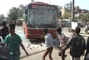 7-year-old girl allegedly raped in a Delhi school, around 400 protesters clash with police outside hospital