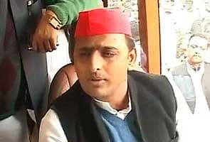 Akhilesh Yadav snubs the Gandhis, withdraws VIP status from Amethi, Rae Bareli