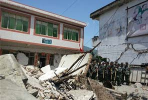 Strong quake jolts China's Sichuan, killing 156