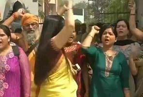 Delhi rape: BJP women activists protest outside Sonia Gandhi's residence, detained