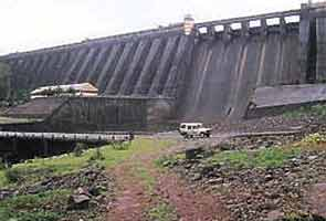 For Maharashtra dam contract, bribes paid, say documents; 'AP' tops list