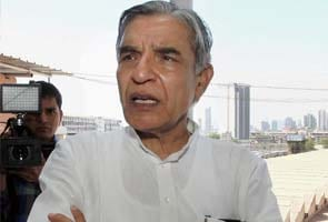 Pawan Kumar Bansal flags off new train on Chandigarh-Amritsar route