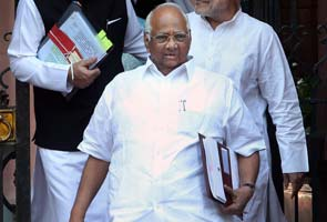 UPA vulnerable after DMK pullout, says Sharad Pawar