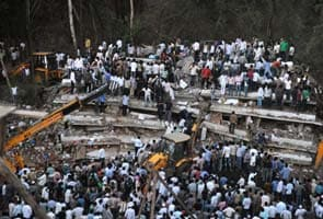 Thane building collapse: 45 dead, Prithviraj Chavan visits site