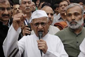 Don't want award from government which can't act against graft: Anna Hazare