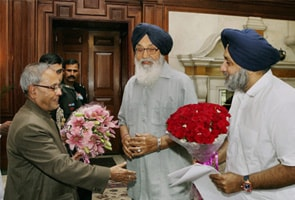 Punjab chief minister Parkash Singh Badal meets President Pranab Mukherjee to seek clemency for Devinderpal Singh Bhullar