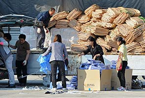 Last South Korean workers to leave joint factory zone