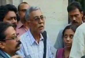 Student leader Sudipto Gupta's father meets West Bengal Governor