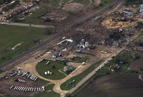 After huge explosion, Texas town reels, seeks familiar comforts