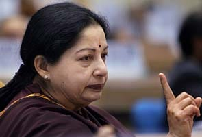 Jayalalithaa warns of banning political parties indulging in violence