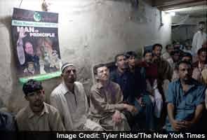 Amid accusations, Pakistan starts talks on new government