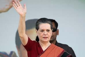 Administration has collapsed in Karnataka, says Sonia Gandhi