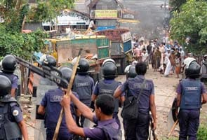 32 dead as Bangladesh Islamists demand blasphemy law
