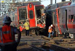 Probe begins after commuter trains crash in Connecticut