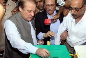 Nawaz Sharif votes, confident of Pakistan victory