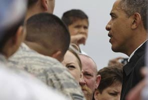 Barack Obama visits Oklahoma after tornado, meets victims