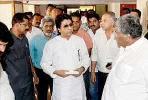 Fall in line or leave, Raj Thackeray asks party men