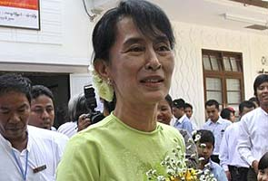 Aung San Suu Kyi says she wants to run for president
