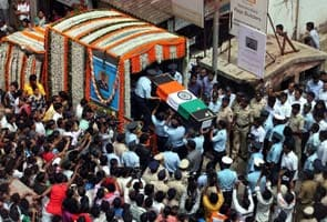 Uttarakhand: Darryl Castelino, the air force officer who died in a chopper crash, buried with full military honours