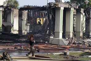 Four firefighters die, 13 injured battling Houston blaze