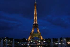 Eiffel tower evacuated after latest suicide bid