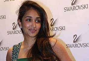 Jiah Khan commits suicide, friend Suraj Pancholi questioned for three hours