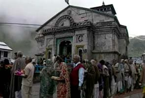 Huge cracks in Kedarnath temple, but sanctum sanctorum safe